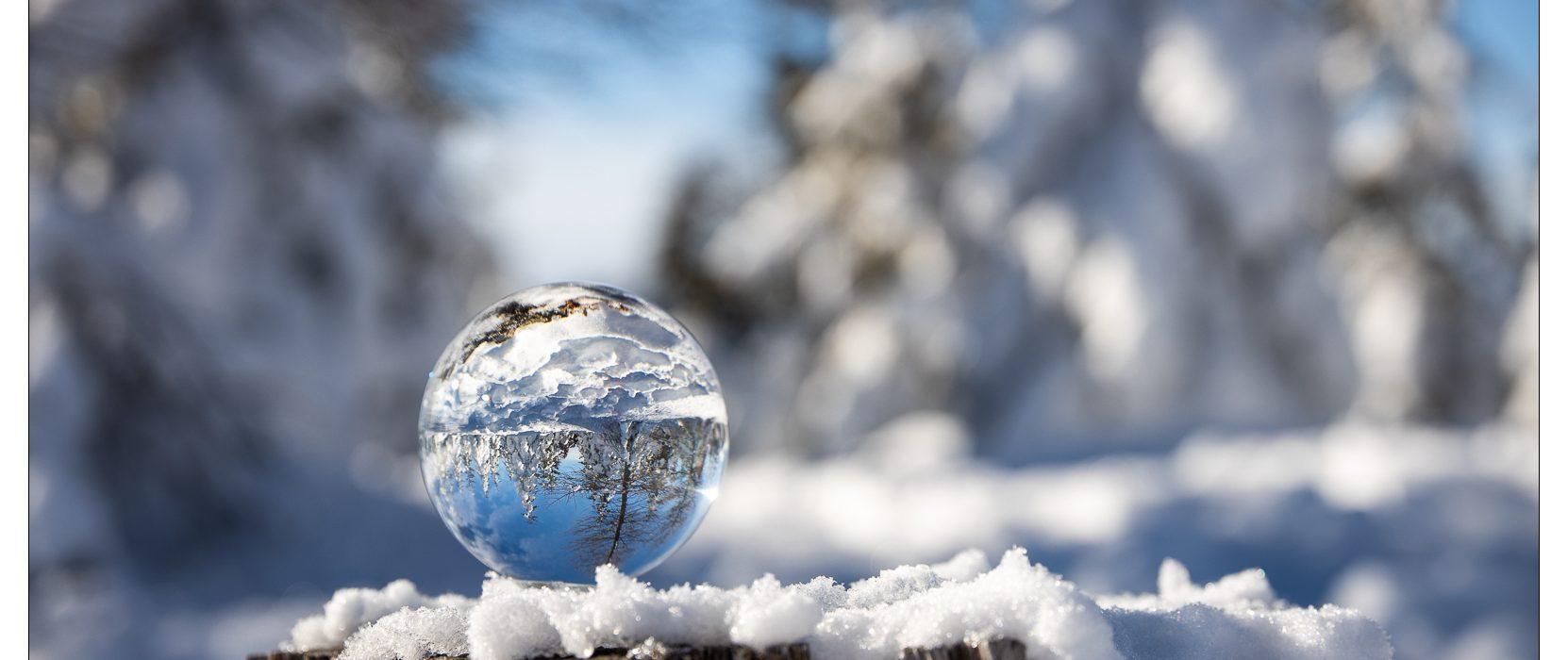 Winterlandschaft in Glaskugel